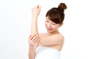 女性ホルモンを整えてムダ毛が薄くなった女性イメージ